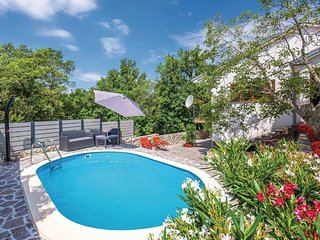 Stunning home in Grizane w/ WiFi, Outdoor swimming pool and 3 Bedrooms (CKA230)
