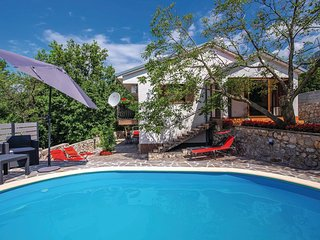 Stunning home in Grizane w/ WiFi, Outdoor swimming pool and 3 Bedrooms