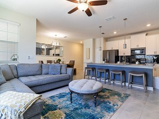 LUXURIOUS 4BD Townhome w/Pool