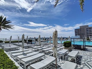 Modern Luxury Beachfront Hotel 2 Bedroom with Great Views and 3 Balconies 18