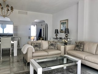 El Presidente Penthouse, South Facing 2 Bed Luxurious Apartment