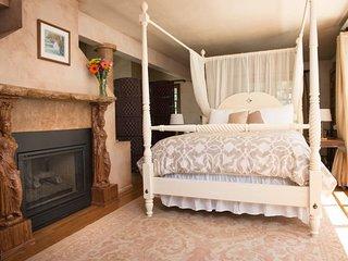 Villa Suite - Modern Comfort and Rustic Italian Charm