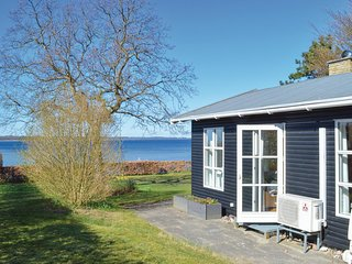 Beautiful home in Ølsted w/ WiFi and 4 Bedrooms
