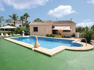 Nice home in Urb. La Sabatera w/ Outdoor swimming pool, Outdoor swimming pool an
