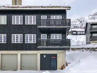 Stunning home in Røldal w/ WiFi and 2 Bedrooms