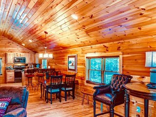 1 BR Cabin in the mountains at The Lodges at Eagles Nest resort - Firepit