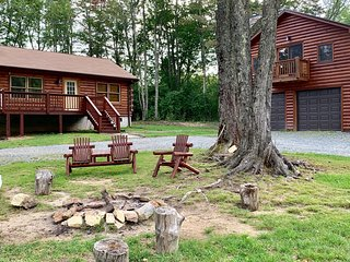 Dual Cabins with Hot Tub, Fire Pit - In mountains at Lodges at Eagles Nest - Ski