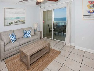 Adorable Gulf-front on 7th floor | Outdoor pool, BBQ grills, Wifi | Free golf, f