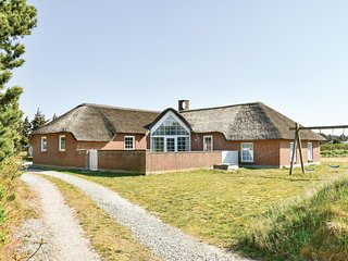 Beautiful home in Ringkøbing w/ Sauna, WiFi and 6 Bedrooms