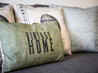 204 · Vintage Home