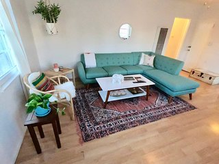 Mid Century Good Vibes 2bd Venice Beach Home!