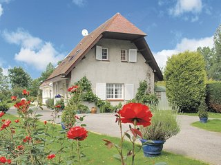 Stunning home in Saint Josse-Sur-Mer w/ WiFi and 2 Bedrooms (FNP133)