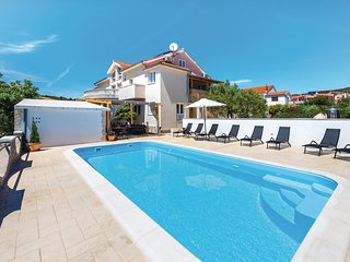 Nice home in Tribunj w/ WiFi, 9 Bedrooms and Outdoor swimming pool
