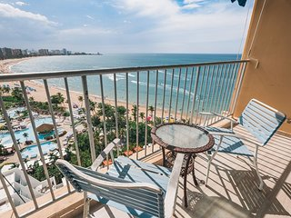 Ocean Front View 15th Floor Studio ON Beach w/Pool & Parking at Máre