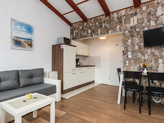 Beautiful apartment in Vir w/ WiFi and 2 Bedrooms