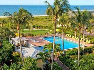 STAY ON THE BEACH! FANTASTIC 2BR/2BA SUITE, BALCONY, POOL, TENNIS, KAYAKS!