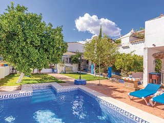 Awesome home in Priego de Cordoba w/ 3 Bedrooms