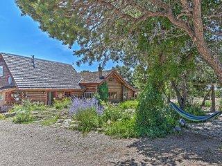 NEW! Private Questa Cabin w/ Deck, Grill & Views!