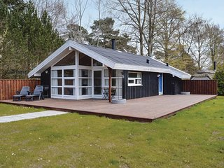 Nice home in Hornbæk w/ WiFi and 2 Bedrooms