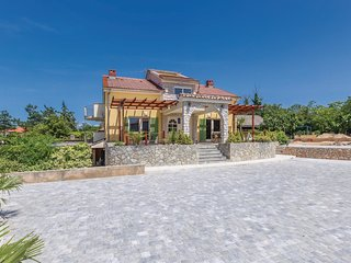 Stunning home in Pinezici w/ WiFi and 1 Bedrooms