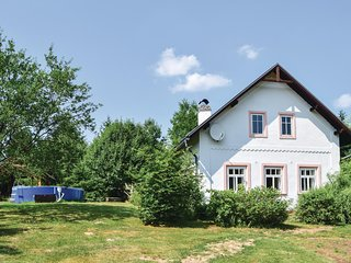 Stunning home in Hostinne w/ WiFi, 4 Bedrooms and Outdoor swimming pool (TBG170)