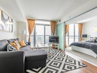 Royal Stays Condominiums. Premium Downtown Suites