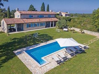 Luxueuze villa met mooi aangelegde tuin (CIL761)