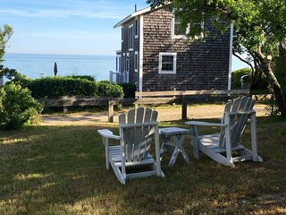 Family Cottage, Steps from a Private Beach on Brewster Dunes
