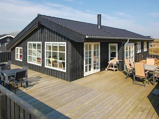 Nice home in Haderslev w/ Sauna, WiFi and 5 Bedrooms