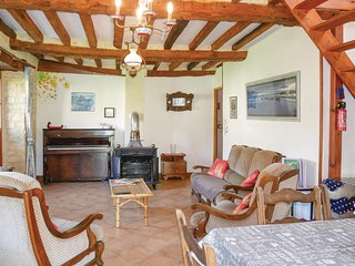 Awesome home in St Germain du Pert w/ 2 Bedrooms
