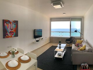 Amazing 3BR Apartment Exiting Beach View Prime Location Luxury Bat-Yam.