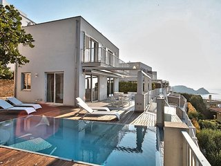 6 bedroom Villa with Pool, Air Con and WiFi - 5812445