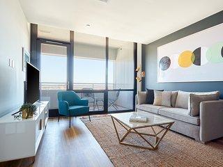 Sonder | Shift Apartments | Dashing 1BR + Balcony