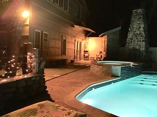 'Modern Farmhouse Suite'~Combine w/OUR'Luxury Cabin'~Prvt Htd POOL/HOTTUB/RIVER!