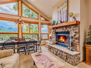 Dances With Wolves Vacation Home at Windcliff