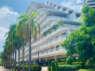 Jomtien Dongtan Beach Condotel - 100% RENOVATED - ***Pay 3 weeks - Stay 1 month!