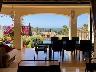 Five bedroom Villa El Paraiso