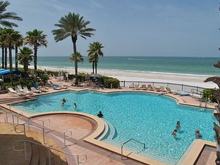 Tides 642 Beach Front Paradise!!-Luxurious pools-Hot tubs-Grills!
