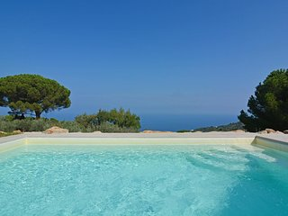 Sant'Ambrogio Villa Sleeps 8 with Pool Air Con and WiFi - 5621490