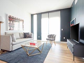 Sonder | Shift Apartments | Beautiful 1BR + Pool