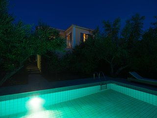 Gialova Villa Sleeps 2 with Pool Air Con and WiFi - 5604844