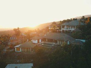 Charming villa Senja nested on Lovina's hills- Ocean view