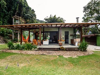 Casa Benetton - Ampla e Gostosa 150 metros da Praia de Camburi Helena Beneton