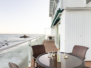4 BR Malibu Beach Front Home w/ Panoramic Ocean Views ❤