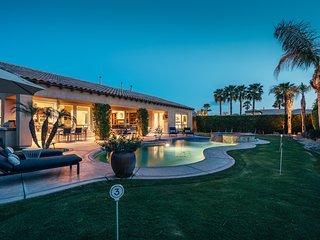 *PRIVATE VILLA* with Pool & Huge Open Floor Plan ❤
