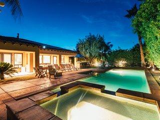 *GOLFER'S PARADISE | Spanish Style Villa in ❤ of Indio