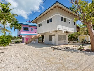 Fun home in the Keys w/ a large wrap-around deck - close to the water!