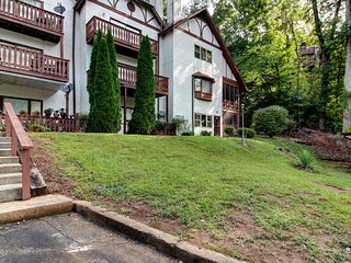 Two riverfront condos with water access - close to downtown & attractions!
