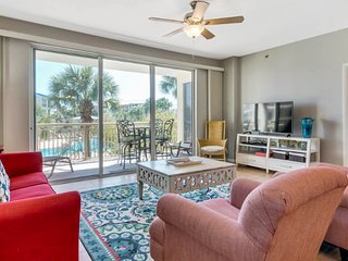 Gorgeous coastal condo w/ a shared pool, basketball, & easy beach access
