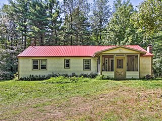 NEW! Rustic Bradford Cottage, 14Mi to Sunapee Mtn!